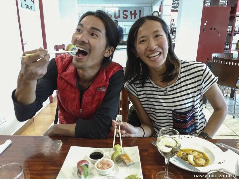 Chicaku i Ryosuke stęsknieni za sushi.