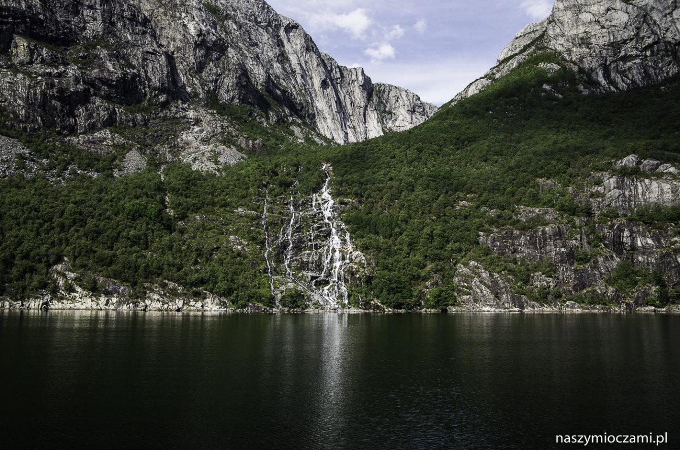 Lysefjord. Trekking po fiordzie.
